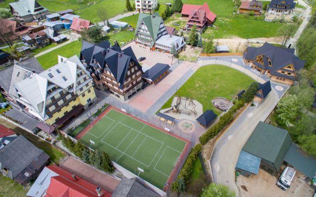 Biała Szkoła dla Międzynarodowe Centrum Edukacji Montessori 2021