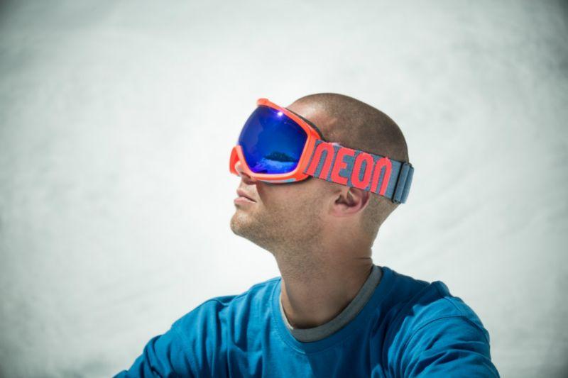 Neon Optic - ochroni Twoje oczy zimą i latem