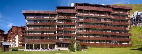 11 hotel